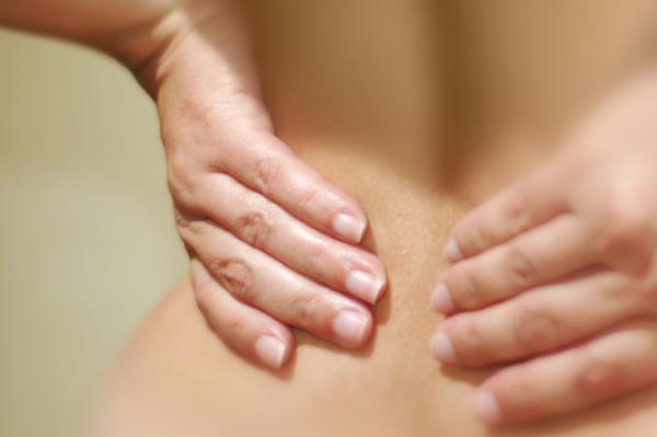 http://www.chiropracteur-plaisance.fr/wp-content/uploads/2017/01/back-pain.jpg